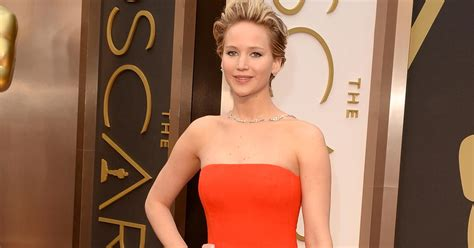 Reddit bans group that posted hacked celebrity nude photos ...