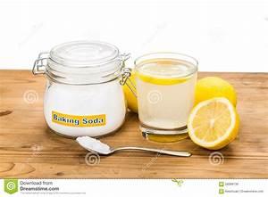 Bicarbonate De Soude Intermarché : bicarbonate de soude avec le jus de citron en verre pour l ~ Dailycaller-alerts.com Idées de Décoration