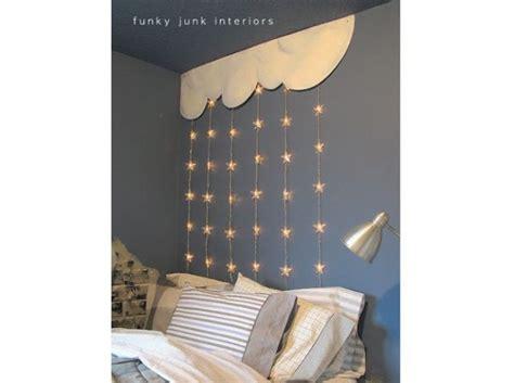 guirlande lumineuse pour chambre b 1000 idées sur le thème lits pour bébé fille sur