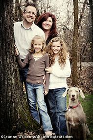 Posing Outdoor Family Portrait Ideas