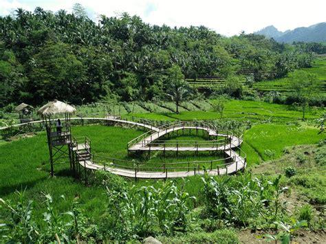 pesona jembatan cinta desa wisata panusupan  wajib