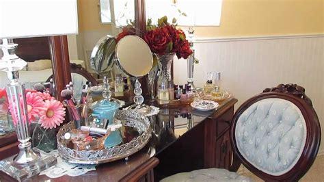Whats Vanity - whats on my vintage vanity today
