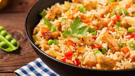 Almoço de domingo: saiba como fazer galinhada simples | O ...