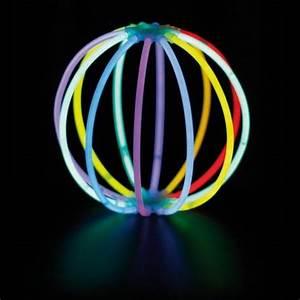 petit effet deco en tubes fluos fluo neon party fluo With couleur pour salle de jeux 8 deco en tube neon flexible