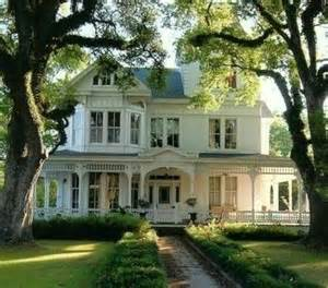 houses with big porches in the south we believe in houses with porches not just any porch but one that is wide enough