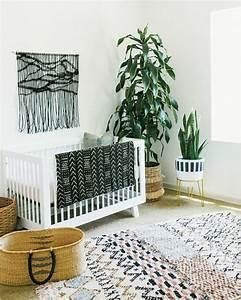 1001 idees pour la decoration chambre bebe fille With tapis chambre bébé avec fleur en pot d interieur