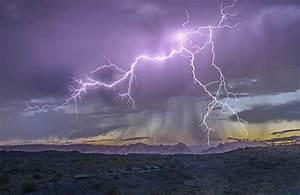 Desert Lightning – Photo of the Day Dec 22, 2014 | Hops on ...
