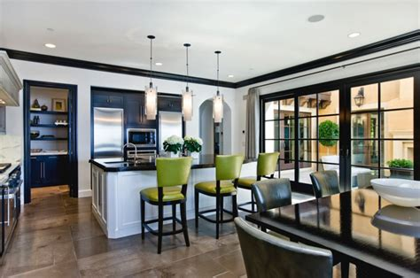 cuisine bois clair moderne intérieur design d une maison côtière californienne