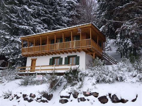 grand chalet pour 15 personnes au pied des pistes de ski cantal abritel
