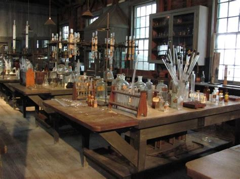 thomas edisons laboratory      mysterious moments   story  place