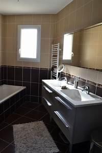 Salle De Bain Beige : salle de bain marron et beige photo 1 7 3513773 ~ Dailycaller-alerts.com Idées de Décoration