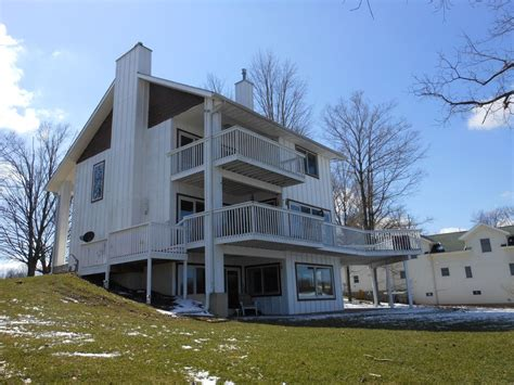 Hotels Vacation Rentals Near Swiss Valley Ski And