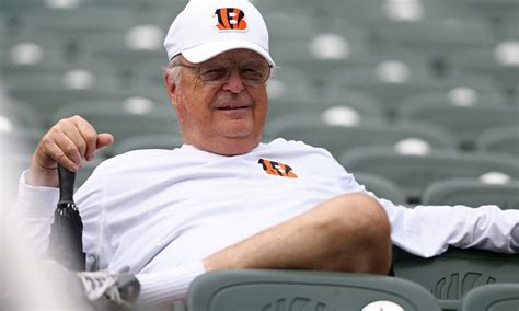 bengals  mike brown dont plan  leaving