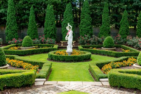 Formal Garden : 18+ Formal Garden Designs, Ideas