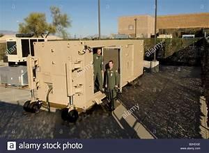 Pilots Enter Predator UAV Flight Control Center In Tucson