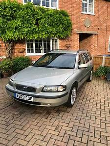 01 Volvo V70 2001 Owners Manual