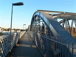 Barnes Bridge © Eirian Evans Cc-by-sa/2.0