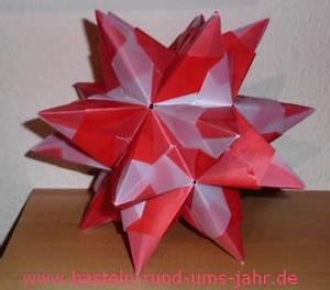 3d Sterne Aus Papier Basteln : bascetta stern so faltet ihr die dreiecke f r die spitzen ~ Lizthompson.info Haus und Dekorationen