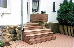 Mit Brettern Verkleiden : treppe mit terrassendielen verkleiden hauptdesign ~ Lizthompson.info Haus und Dekorationen