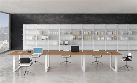 mobilier de bureau design italien tables de conférence table de réunion pieds fermés