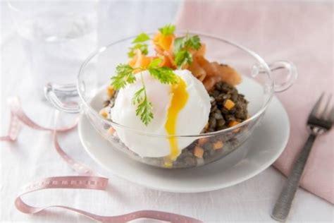 cours de cuisine gastronomique lyon recette de salade de lentilles au saumon fumé et oeuf