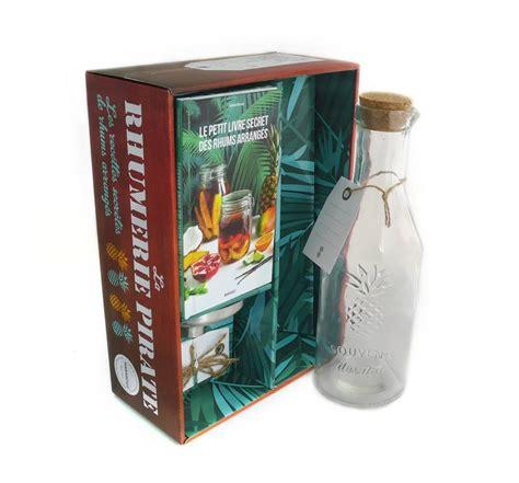 collection marabout cuisine livre coffret la rhumerie pirate contient 1 bouteille