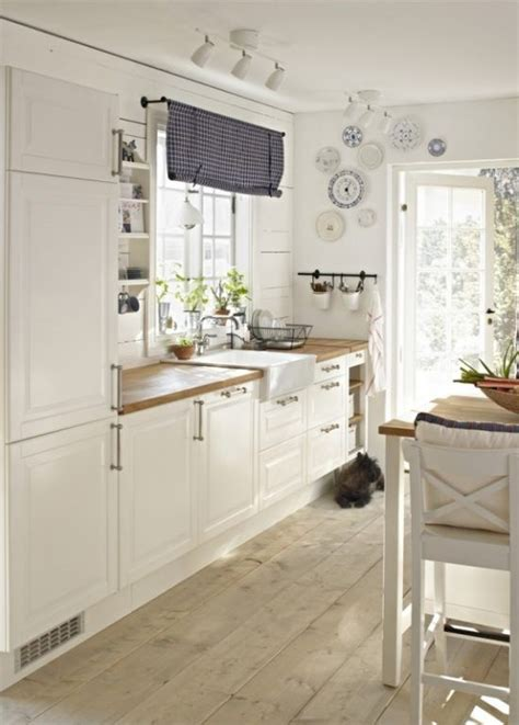 Einrichtung Kleiner Kuechekleine Kueche In Weiss 3 by Kleine K 252 Chen Vergr 246 223 Ern Girly Home Ideas Ikea K 252 Che