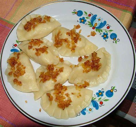 3 pi鐵es cuisine pirogge