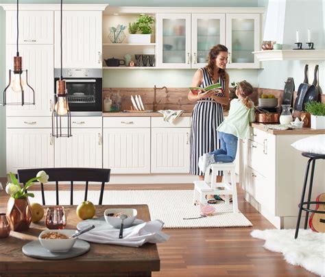 die küche direkt landhausküchen möbel höffner ihre küche im landhausstil