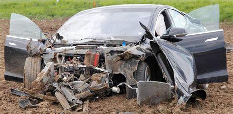 Tesla Model S Crash by 5 Survive Horrific Crash In Model S