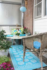 colorful balconies with small balcony decoration ideas With balkon teppich mit tapete venezia