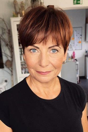 classic and elegant short hairstyles for women over 50