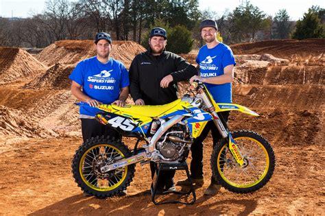 Motorcycle Superstore / Suzuki Team Photo Shoot