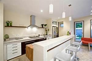 idee amenagement cuisine ouverte maison design bahbecom With carrelage adhesif salle de bain avec creche noel led