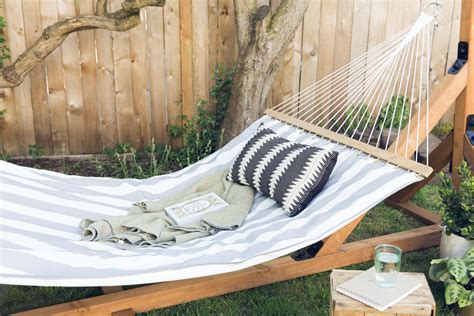 How To Make Hammocks by How To Make A Hammock
