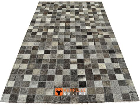 kuhfell teppich grau kuhfell teppich grau patchwork in ver gr 214 ssen bei kuhfelle