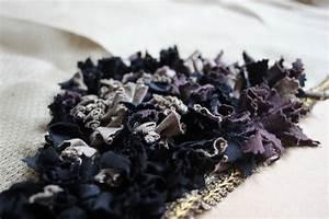 Ein teppich aus stoffresten etsys deutscher blog for Balkon teppich mit tapete selber machen