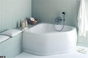 Baignoire Angle 120x120 : une baignoire d 39 angle 120x120 la nouvelle vague des ~ Edinachiropracticcenter.com Idées de Décoration