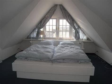 Küche Im Dachgeschoss by Schlafzimmer Im Dachgeschoss