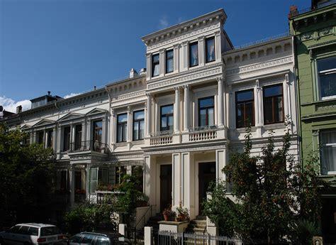 Moderne Längliche Häuser by Bremer Haus