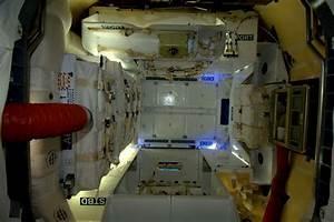Inside the Dragon (Capsule)   NASA
