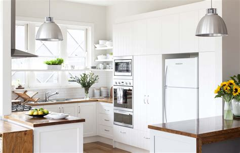 Home And Kitchen : A Compact, Practical And Stylish Kitchen