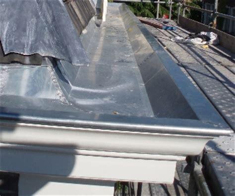 solderen zinken dakgoot zinken dakgoot verbouwkosten