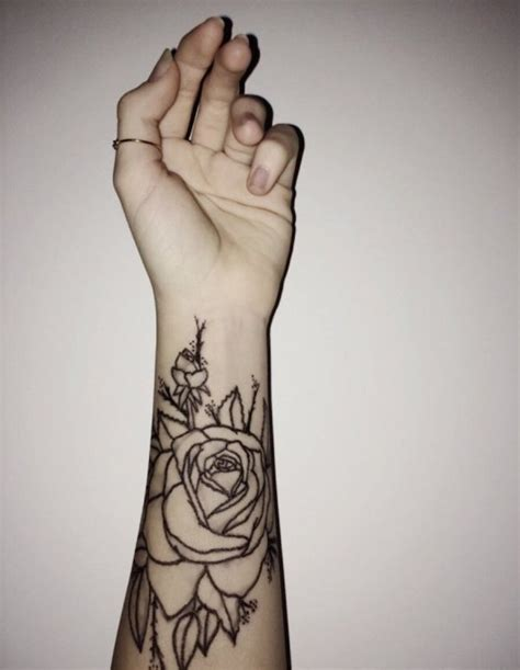 idee tatouage homme poignet avant bras tatouage