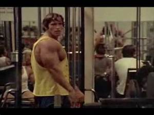 Arnold Schwarzenegger VS Lou Ferrigno - YouTube