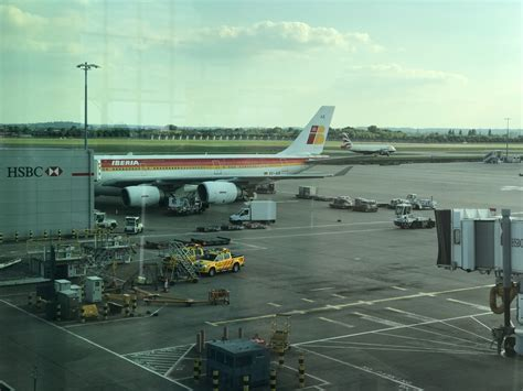 Review: Iberia A340 600 Business Class from London to