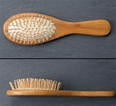brosse 224 cheveux en bois de bambou nature d 233 couvertes beaut 233 test