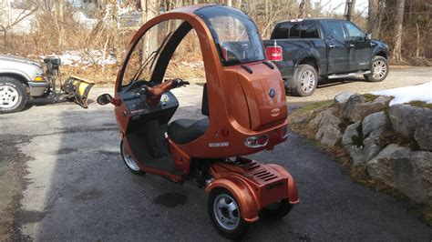 2012 Automoto 3 Wheel Semi-enclosed Gas 150cc Scooter