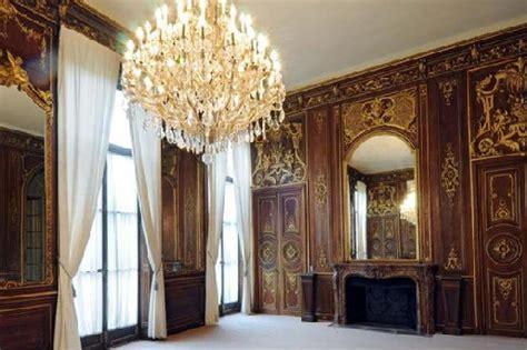 opulent  square foot apartment  paris homes   rich