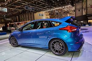 Ford Focus Rs Bleu : 2016 ford focus rs is a liquid blue hooligan 39 s hot hatch in geneva autoevolution ~ Medecine-chirurgie-esthetiques.com Avis de Voitures